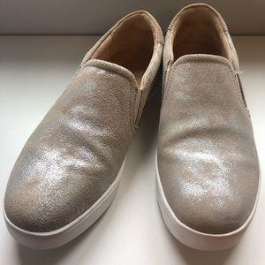 EUC Dr. Scholl's Rose Gold Slip On Sneaker